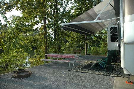 Our waterfront campsite at Foscue Creek Corps of Engineers Campground, Demopolis, AL, 09/05